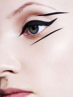 Here's What Eyeliner Looked Like 100 Years Ago