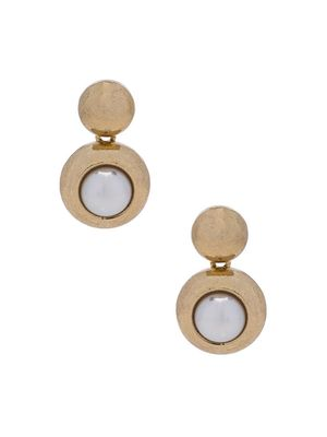 Must-Have: Pearl Earrings