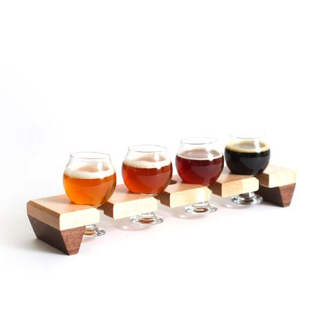 Beer Flight Sampler With glasses