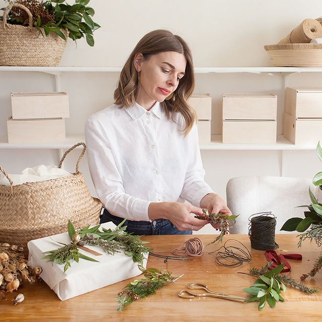 A Step-by-Step Guide to Elegant Gift Wrapping, According to an Expert