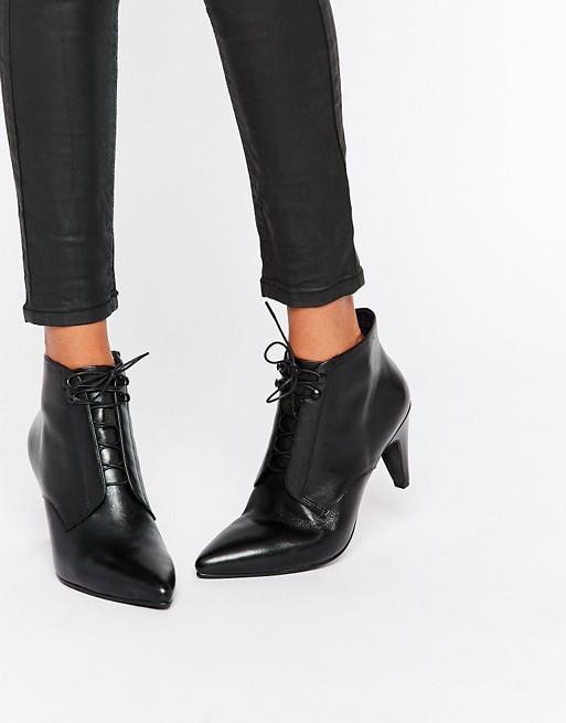 Vagabond Esther Lace Up Boots