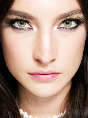 5 DIY Tricks for Fuller Lashes