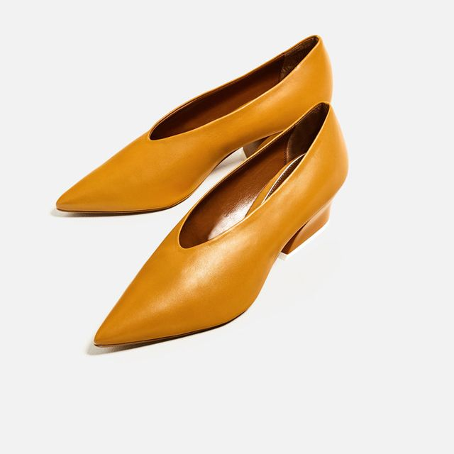 Zara V-Cut Leather Pumps