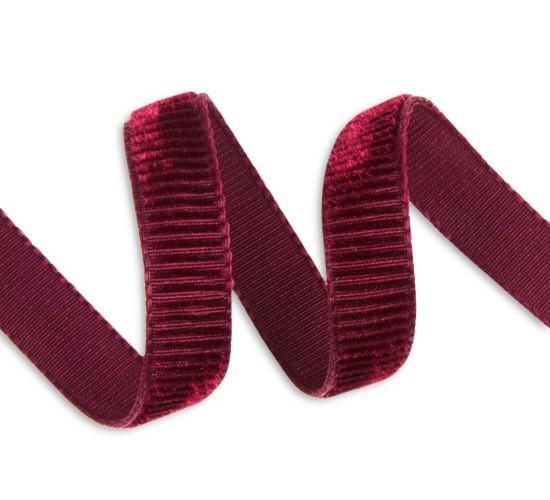 M&J Trimming Needle Cord Velvet Ribbon in Dark Purple