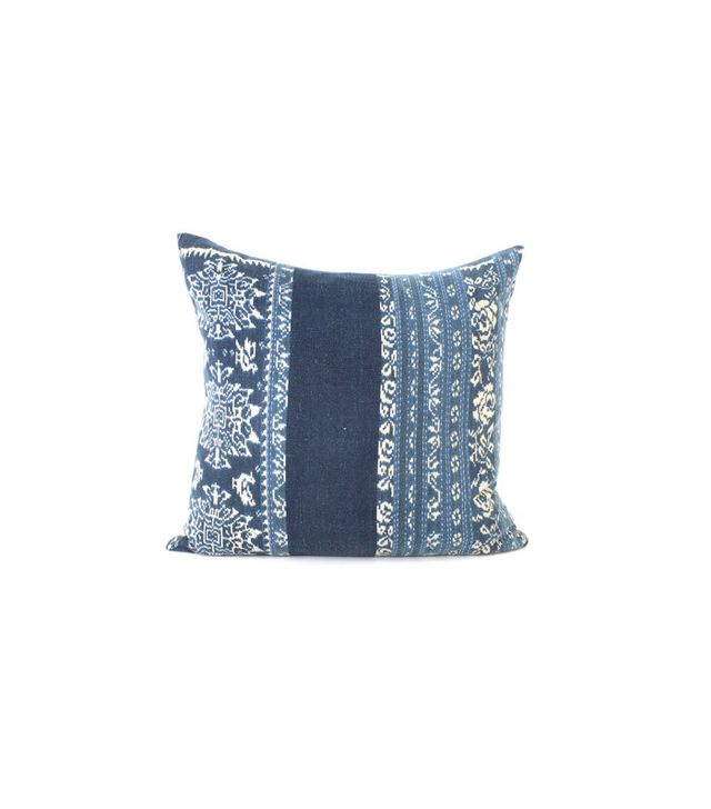 Amber Interiors Courtney Throw Pillow