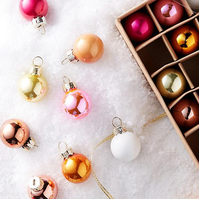 A Professional Organizer Shows Us How to Store Our Holiday Decorations