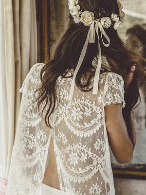 9 Wedding Dresses With the Most Stunning Backs