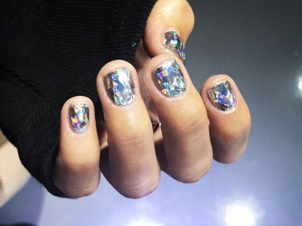 Diamond Nails\
