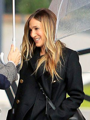 This SJP Style Move Is Very Carrie Bradshaw