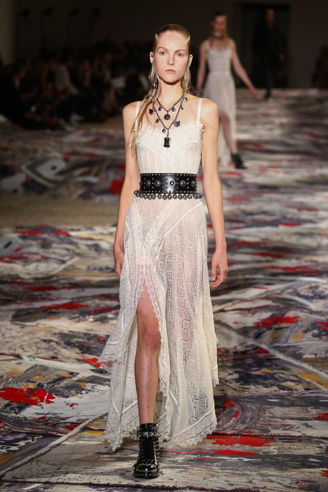 WHAT: Alexander McQueen S/S 17 A boho Aussie summer wedding calls for relaxed lace. Robbie would wear this sans belt and boots, and swap in delicate blush heels.