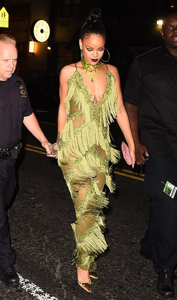 rihanna-green-dress