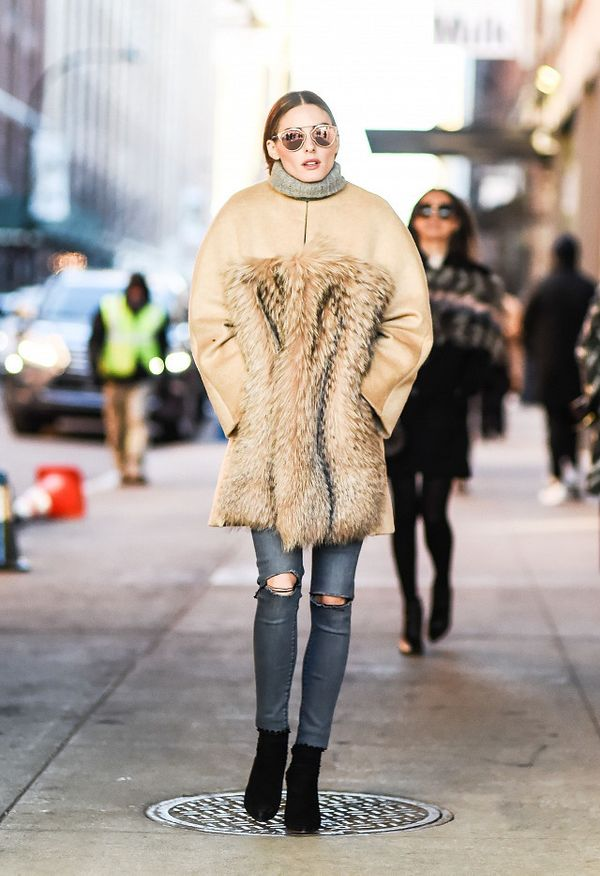 That time she layered a turtleneck and coat like the pro she is.