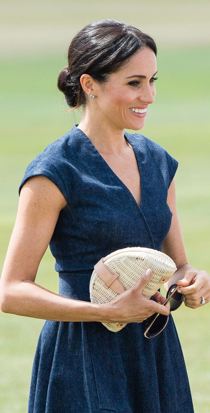 Meghan Markle style: Denim dress
