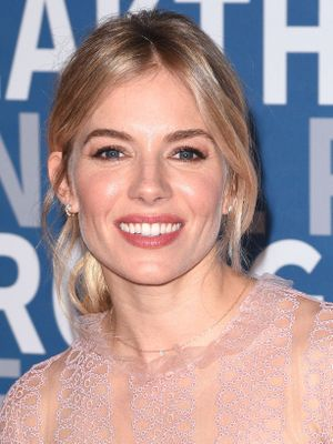 Sienna Miller's Makeup Artist on the Secret to Glowy Winter Skin