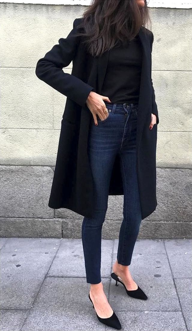 This Street Style Star Shows Us How to Wear Pointed-Toe Shoes