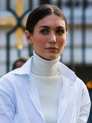 This Is How Fashion Girls Will Wear Turtlenecks This Year