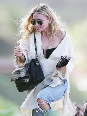 How to Wear Your Black Leggings Like Ashley Olsen