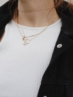 This Blogger's Solution for Necklace Layering Will Blow Your Mind