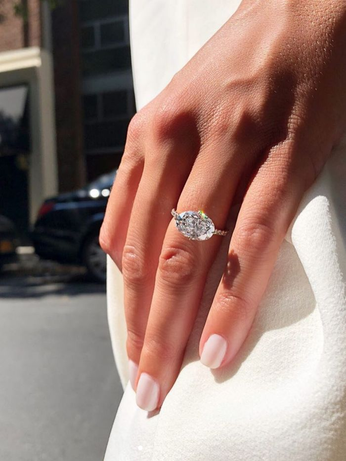 The 26 Best Vintage Engagement Rings And Where To Shop Who What Wear