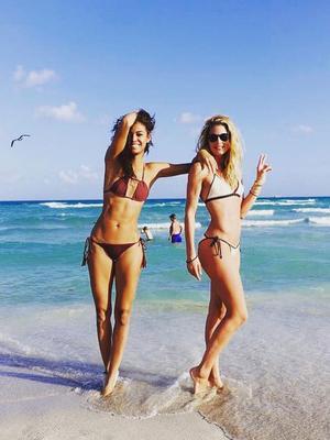 Inside the Chicest Celeb Beach Getaways of 2017 (So Far)