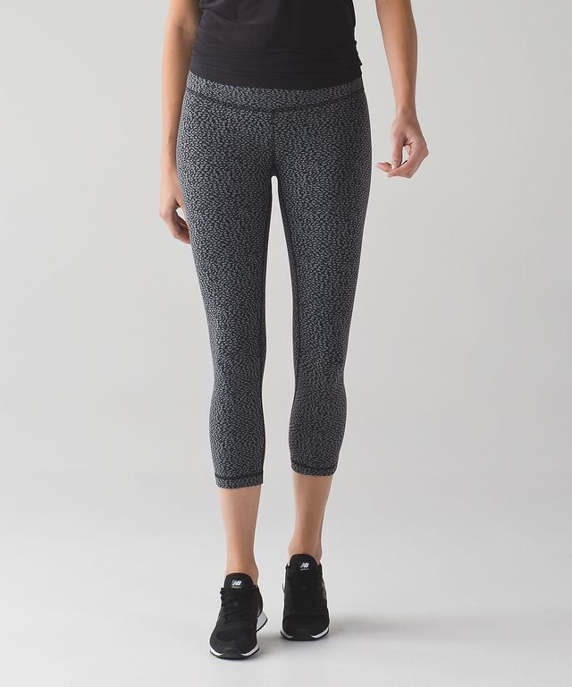 Lululemon Wunder Under Crop III