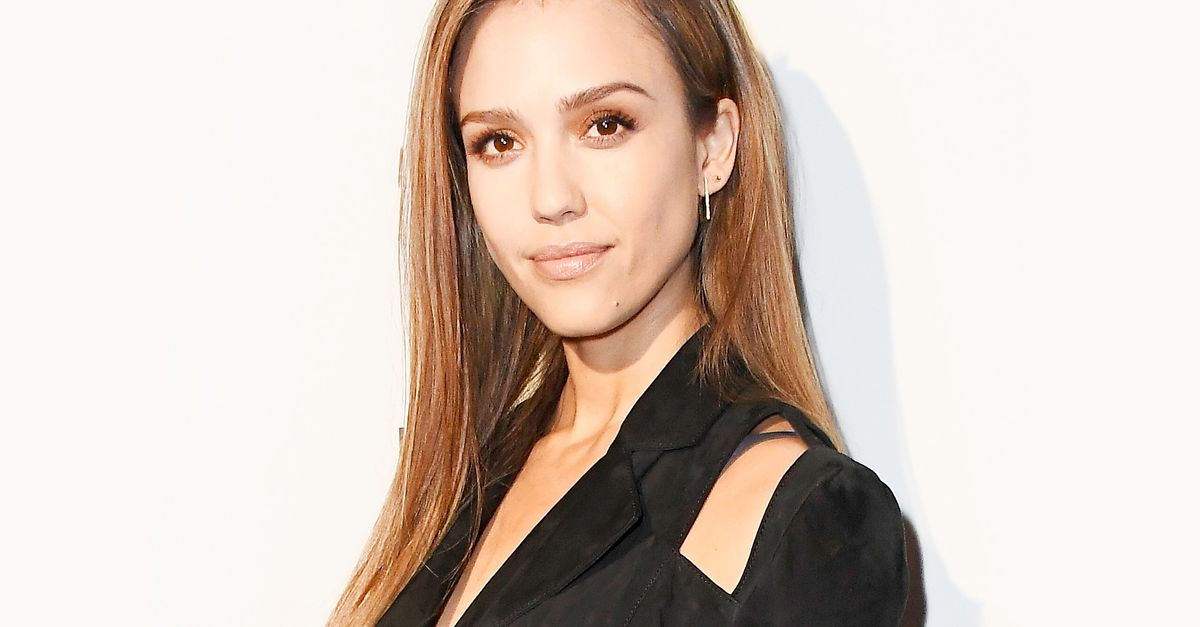 Every Makeup Product Jessica Alba Uses for a 5-Minute Face | Byrdie