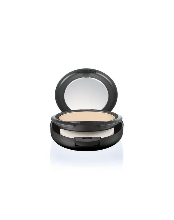 mac-studio-fix-powder-plus-foundation
