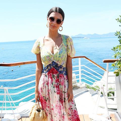 Emily Ratajkowski style: printed dress