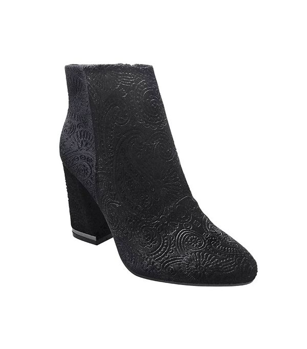 Who What Wear Women's Cora Paisley Velvet Booties