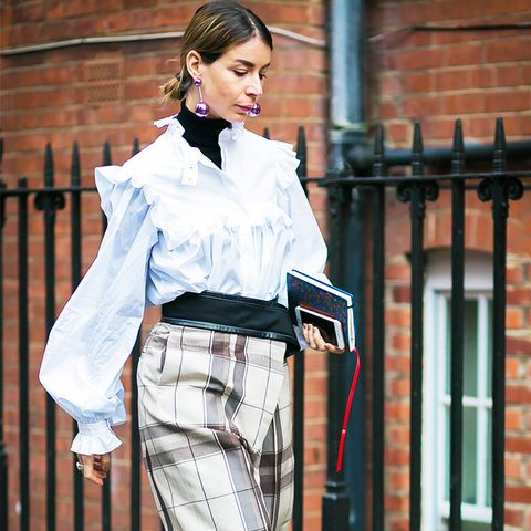 street style trends 2017: New Romantic Blouses