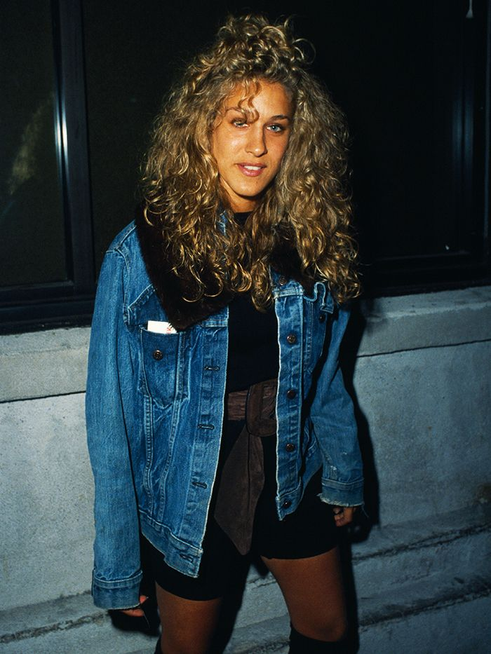 80s fashion: Sarah Jessica Parker in an oversized denim jacket