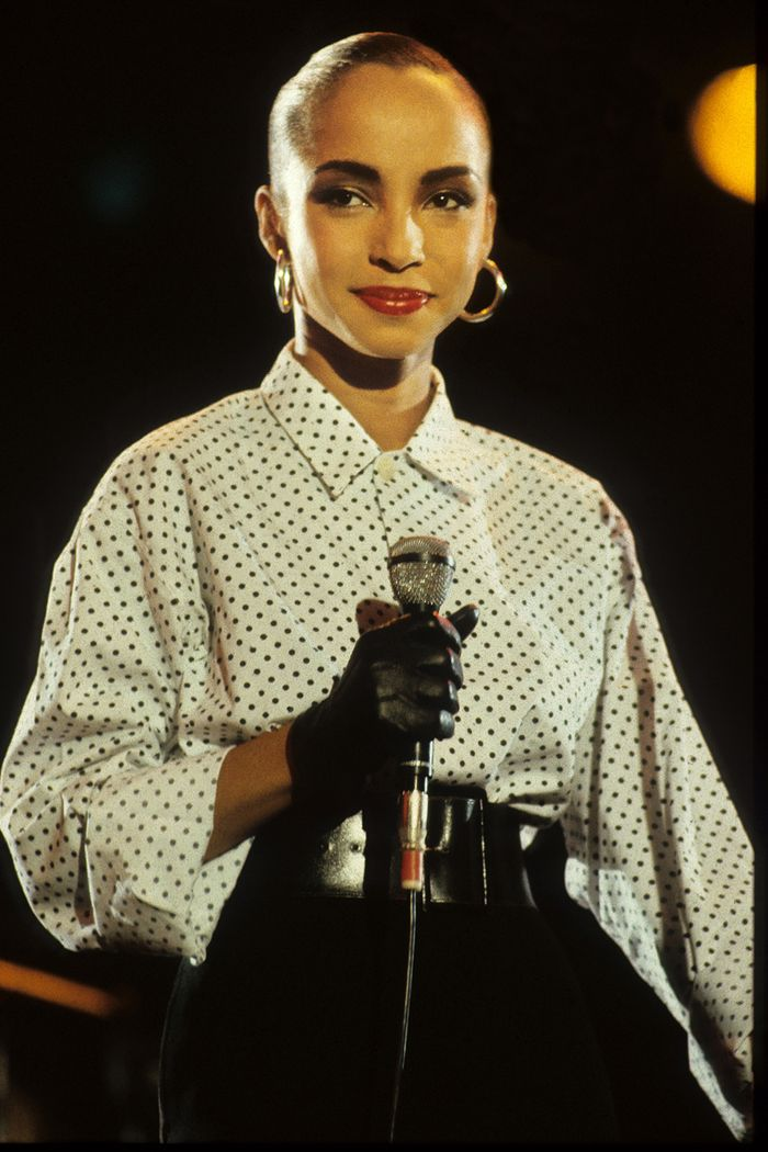 80s fashion: Sade wearing a polka dot shirt