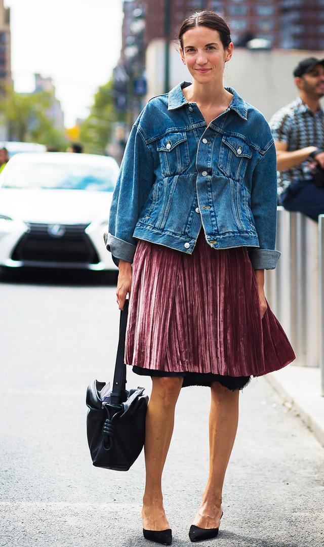 street-style-velvet-skirt