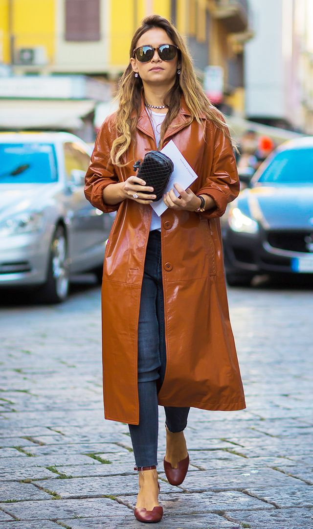 street-style-patent-leather-trenchcoat