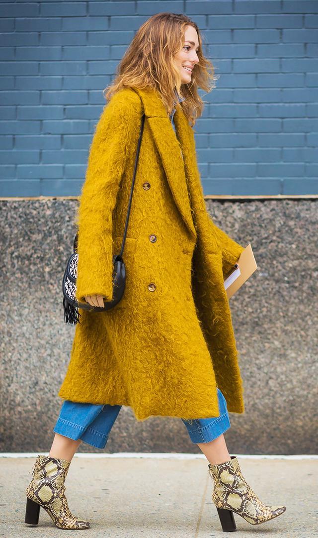 street-style-bright-coat