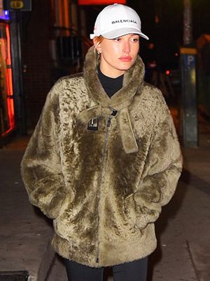 Hailey Baldwin's Trick for Not Drowning in Her So-Cozy Coat