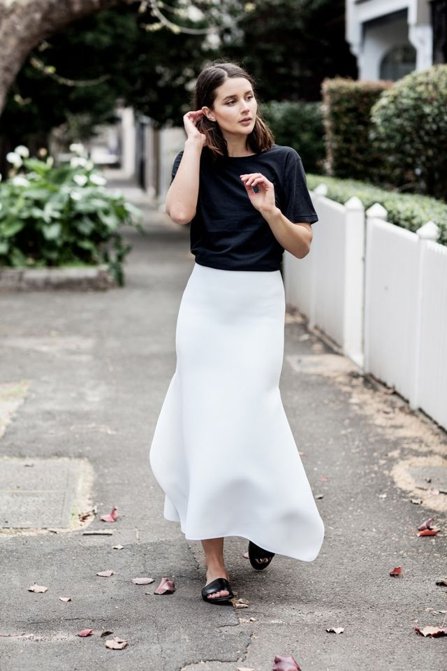 Recreate the look with Bassike Crepe Asymmetric Crop T-Shirt ($190), Maticevski Slender Pencil Skirt ($1000), Senso Zulu III Slides ($179). A lunch date should be elevated, yet...