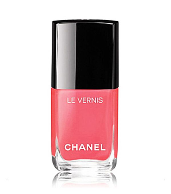 Best nail polish: Chanel Le Vernis in Coralium