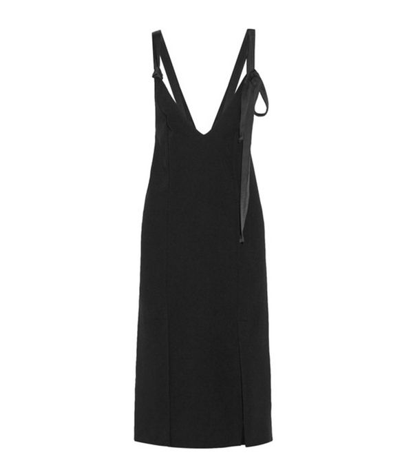 spring street style outfit ideas: slip dress