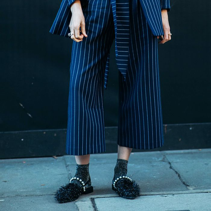 What Shoes to Wear and How to Style Culottes