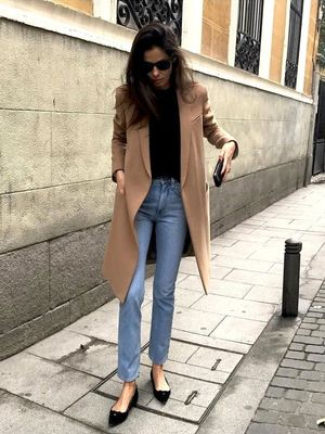 This Street Style Star Wears Pointed-Toe Shoes With Every Outfit