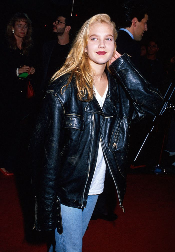 Grunge fashion: Drew Barrymore in an oversize leather jacket