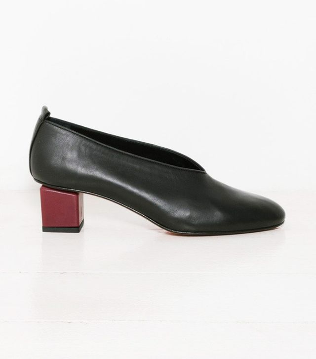 Gray Matters Mildred Classic Black Pumps