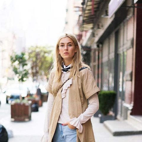 12 Stylish Spring Outfits You Can Wear With Jeans