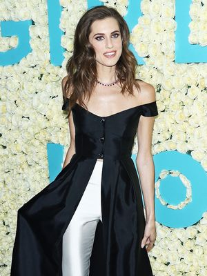 The Surprising Fashion Pieces Allison Williams Took From the Girls Set
