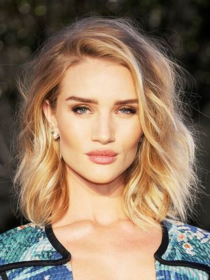 Rosie's a New Mum: So Here's 6 Winning Beauty Tips From the Supermodel