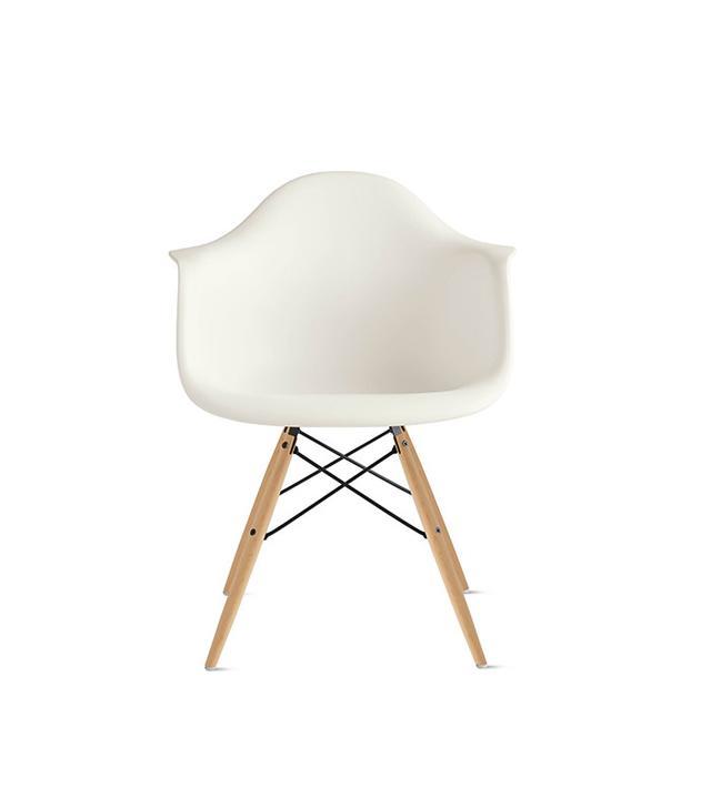 Herman Miller Eames Molded Plastic Dowel-Leg Armchair