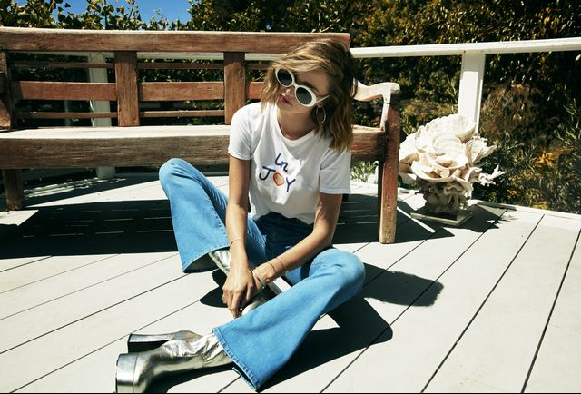 On Miranda Kerr: Mother T-Time Crop Shirt($105) and Funday Flare Jeans($218). WHO WHAT WEAR: Why did you decide to collab with Mother? What specifically do you love about the brand's...