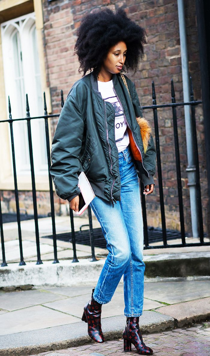 easy outfits - bomber jacket with jeans