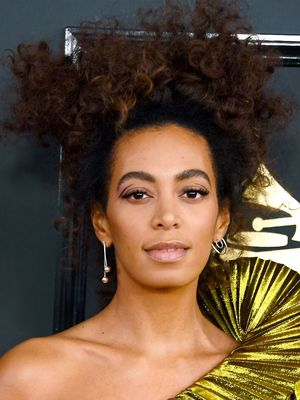 Solange Just Wore Spring's #1 Trend on the Grammys Red Carpet